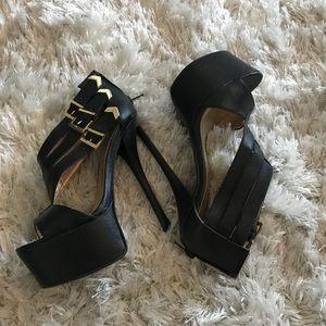 Qupid black heels new never worn